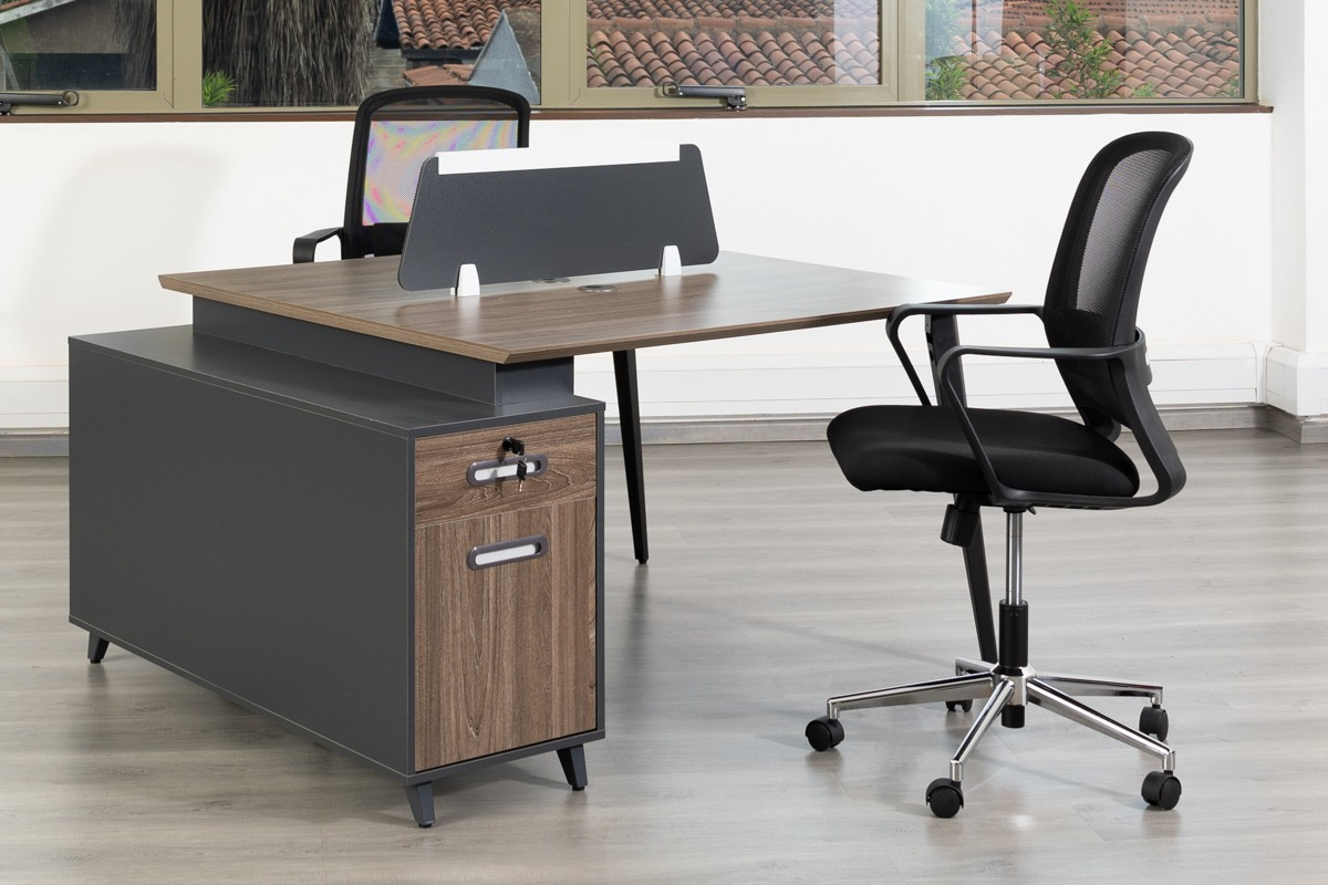 2 way office working station