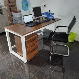 1.6 metre office table